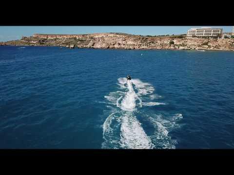 Malta, jet chase, paradise bay