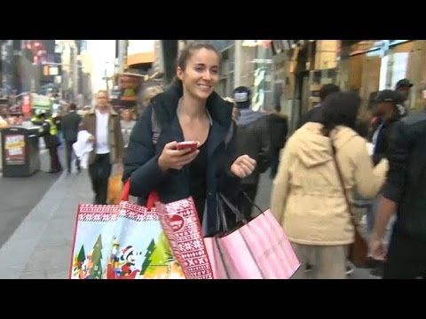 Shoppers hit stores for Thanksgiving Day deals
