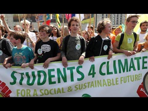 شاهد: عواصم العالم تنهض للتظاهر من أجل الحفاظ على البيئة…  - نشر قبل 60 دقيقة