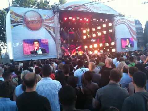 Cheb Khaled - Aicha Paris Bastille le 13-07-2010. France télévision.