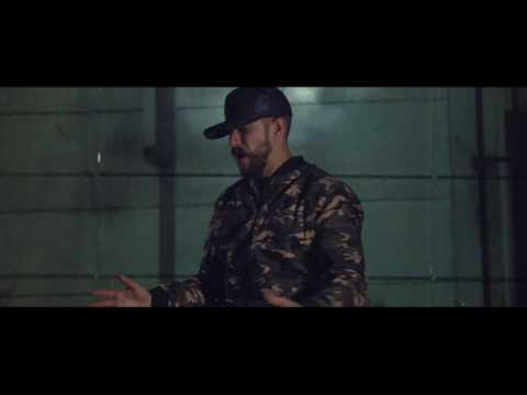 Akil Ammar - MUNDO MATERIAL  (ft.  RADIO MC)
