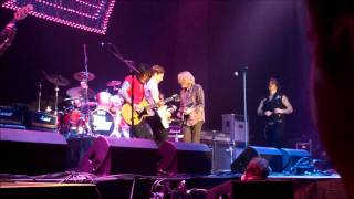 Thin Lizzy & Snow Patrol - The Boys Are Back in Town (Belfast 2011)