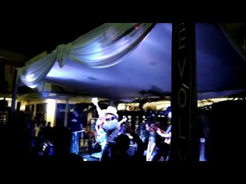 The Panas Dalam - Tong Gandeng live Unpas Bandung.