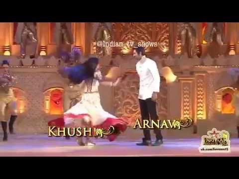 Khushi♥ arnav dans