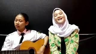 Download lagu ku kibarkan bendera persija ;v