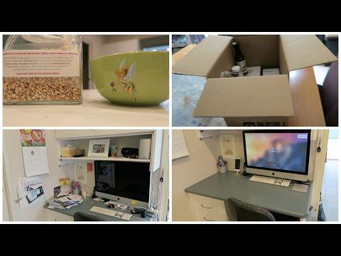 Desk Minimalism & iherb Haul - Vlog : 3rd March