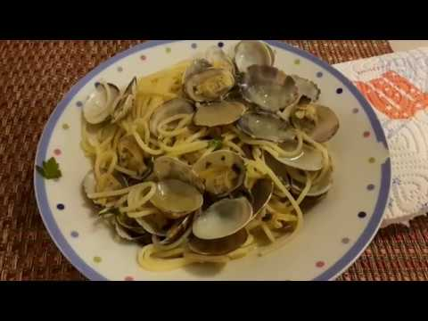 Spaghetti alle Vongole - Pasta with Clams