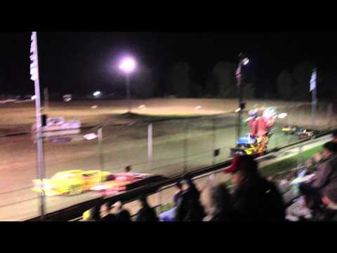 Silver Bullet Speedway, Owendale, Michigan - Racing action!