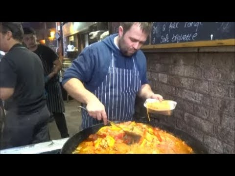 BOROUGH MARKET LONDON, PAELLA, CHEESE, OYSTERS, GRILLED CHEESE SANDWICH, SEAFOOD, MEAT, BURGERS