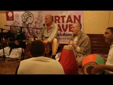 ISKCON Ljubljana - Gaura Purnima Festival Kirtan 2017 - Lalita Govinda prabhu (part1)