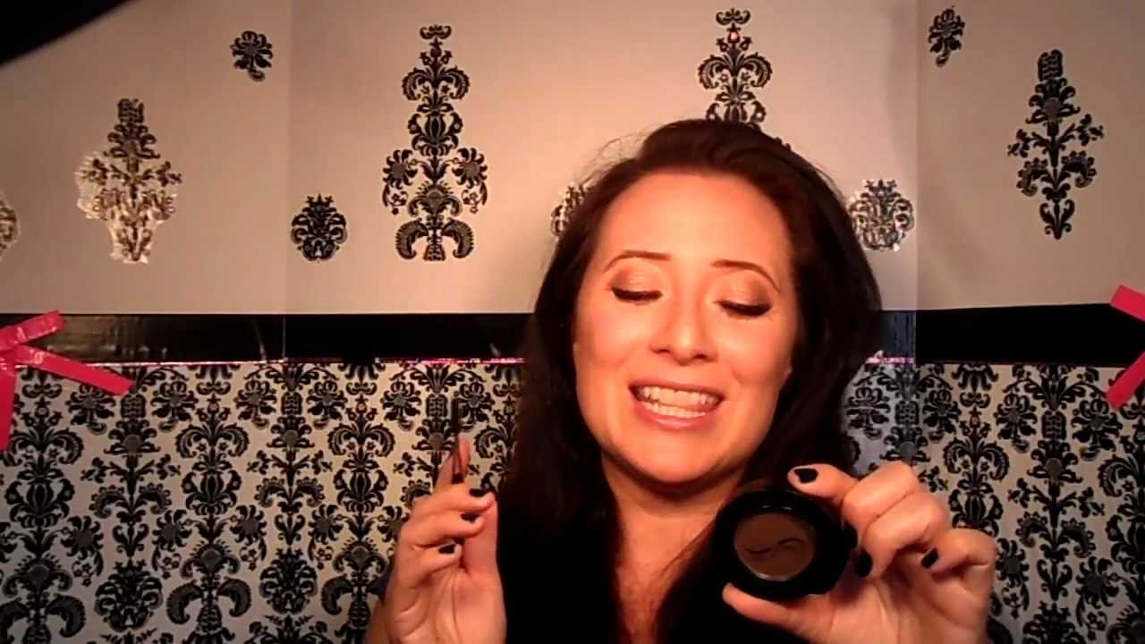 Joey Healy Eyebrow Powder Gets You Prom Ready With Makeup University