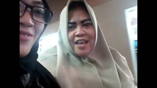 Download Video Ibu gendut manja MP3 3GP MP4