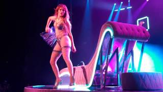 Gambar cover Jennifer Lopez sexy dancing for If You Had My Love in Las Vegas 2016.12.17.