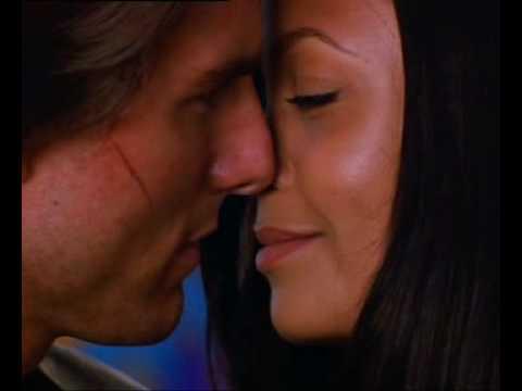 THANDIE NEWTON BEST KISSING SCENE IN THE PARK