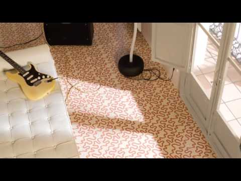Carrelage imitation carreaux de ciment s rie 1900 de vives youtube - Imitation carrelage mural adhesif ...