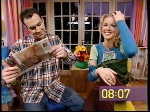 The Big Breakfast Paper Review - Mon 23th October 2000 - Johnny Vaughan and Donna Air