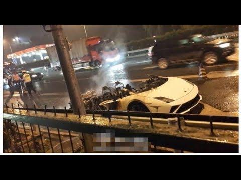 Lamborghini burns in Beijing
