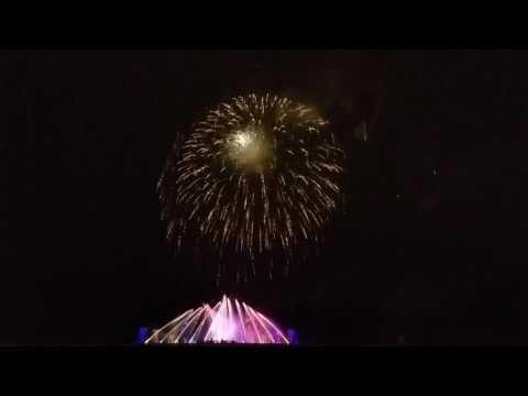 Longwood gardens premiere fountain fireworks show