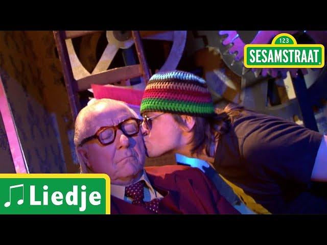 De Kusjesman - Arjan - Liedje - Sesamstraat