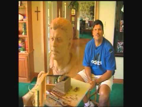 Anthony Munoz bust sculpture...WKRC-TV