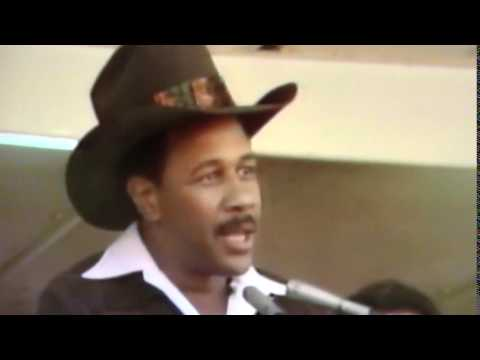Willie Stargell Thanks Fans After 1979 World Series!