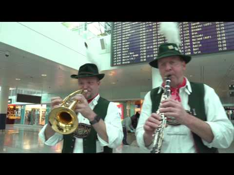 Happy Bavarians   Airport Munich   Day of Kindness 2016 Bavarian Band Bavaria Show