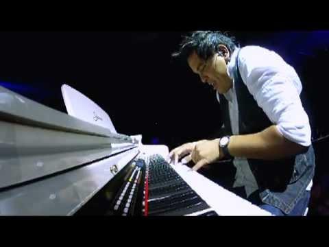 """Cristiano Araujo """"Não sei me Controlar"""" - DVD 2012 HD Piano: Bigair dy Jaime"""