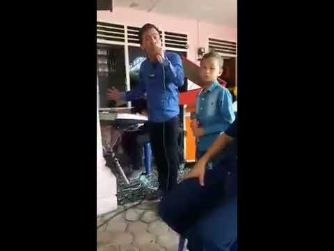 Paniel Panjaitan Nyanyi Bersama Anaknya