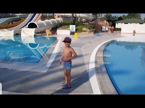 Antalya da tatilde kaldığımız oteli geziyoruz!!! Tatil vlog - otel turu | Eğlenceli çocuk videoları