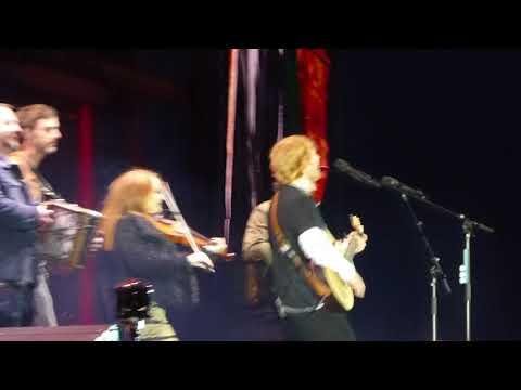 Galway Girl || Ed Sheeran & Beoga || Phoenix Park || Dublin 18/5/18