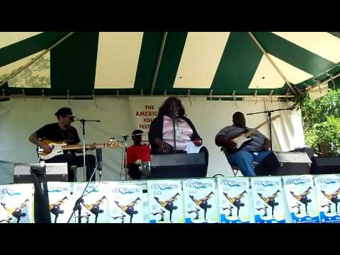Diunna Greenleaf - Live at the 2014 American Folk Festival, Part 1