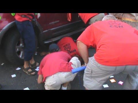 [VIDÉO] Manifestant heurté à Boucherville: les images de l'accident