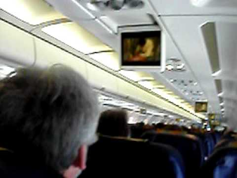 Dans l 39 avion a 320 de thomas cook youtube for Avion jetairfly interieur