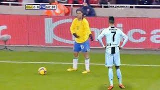 Ronaldinhonun Ünlü Futbolcuları Rezil Eden İnsanlık Dışı Çalımları.