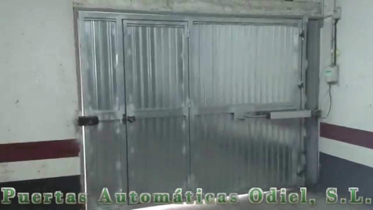 Puerta hierro galvanizada batiente lateral youtube for Puerta galvanizada