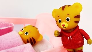 Daniel Tiger Gets MAD on Baby Sister ! Daniel Tiger Neighborhood Pretend Play | Kids Learning