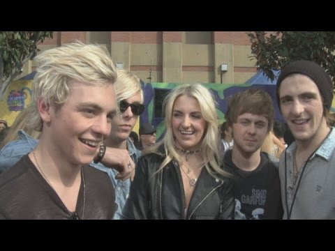 R5 interview: The band talk selfies at the Nickelodeon Kids' Choice Awards