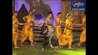 Kranti Redkar and Siddharth Jadhav - Kombadi Palali