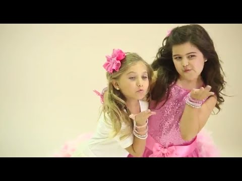 sophia grace and rosie meet britney spears youtube channel