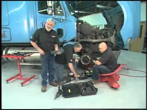 Motorhead Garage Features The Enerpac XA11 Hydraulic Pump And Cylinder