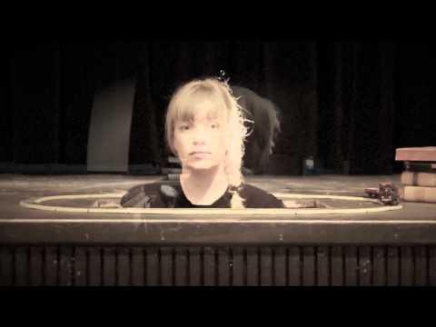 Katinka - Rundt & Rundt (Officiel musikvideo)