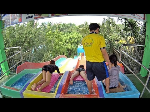 Multi Racing Water Slide at Dam Sen Water Park