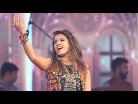 DAY 2 Aishwarya Majmudar Ofira Navratri 2017 United Culture VR1 Event Surat Part 1 by VR Make