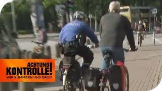 Verfolgungsjagd auf dem Fahrrad: Entwischt der Rotsünder? | Achtung Kontrolle | kabel eins