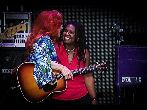 """Bonnie Raitt & Ruthie Foster """"Angel From Montgomery"""""""