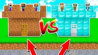 NOOB CASTLE vs PRO CASTLE in MINECRAFT! (FT. MOOSECRAFT)