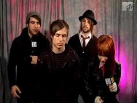 Paramore talks about Hawthorne Heights guitarist