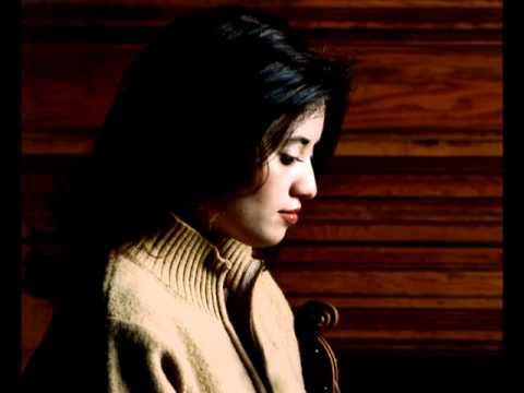 Julia Sakharova--Strauss Sonata op. 18