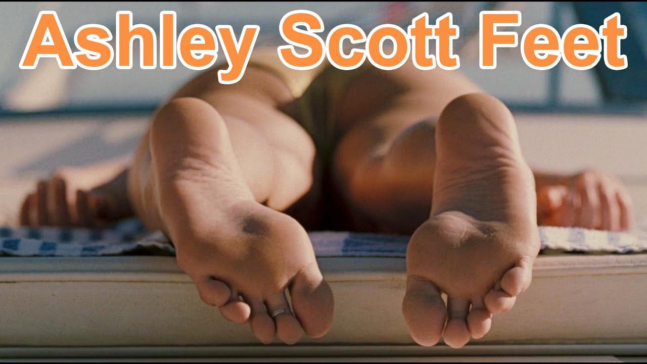 Feet Chloe Bennett nude photos 2019