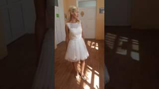 Очень красивое свадебное платье короткое.